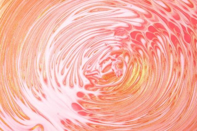 Astratto arte fluida sfondo rosa chiaro e colori bianchi