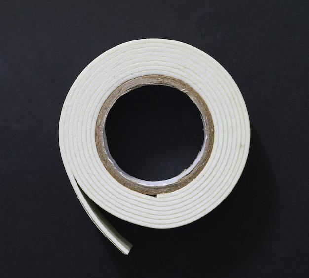 Rotolo di nastro adesivo