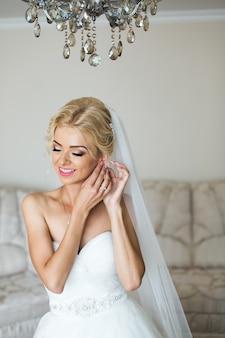Adorabile preparazione della sposa