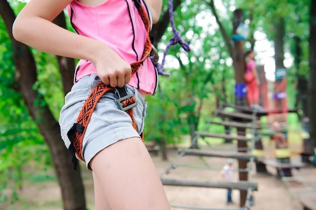 Avventura arrampicata parco ad alto filo - escursioni nel parco della corda due sorelle.