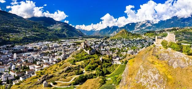 Panorama aereo della basilica di valere e del castello di tourbillon a sion - il cantone del vallese, svizzera