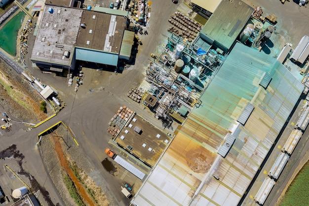 Vista panoramica aerea su una produzione di fabbrica chimica della zona dell'impianto industriale
