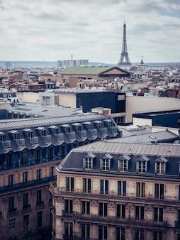 Ripresa aerea dalla bellissima parigi, francia