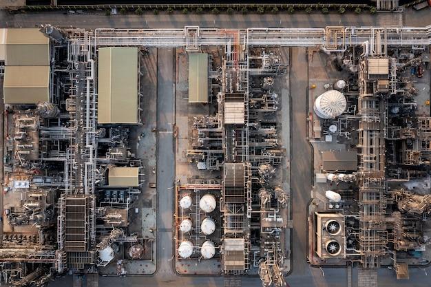 Sfondo di raffineria di petrolio e gas di vista superiore aerea, industria petrolchimica di affari