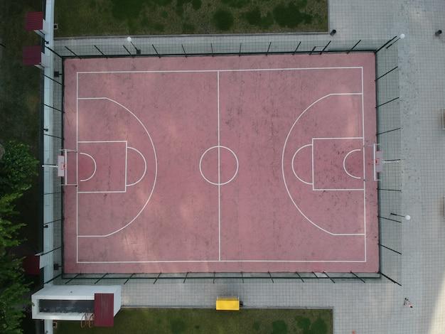 Vista aerea di un campo da baketball