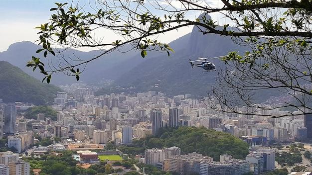 Vista aerea della città di rio de janeiro in brasile.
