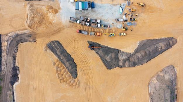 Veduta aerea del cantiere durante l'avanzamento dei lavori di sterro.