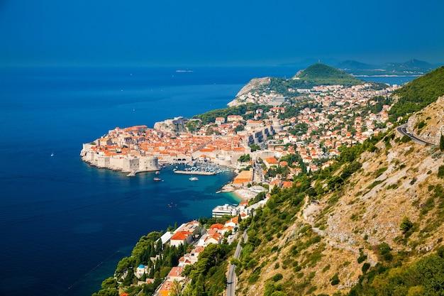 Vista aerea di dubrovnik, costa dalmata del mare adriatico, croazia