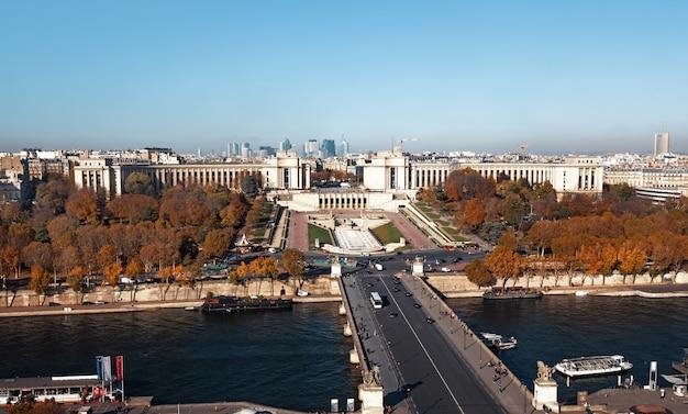 Vista aerea dalla torre eiffel a parigi