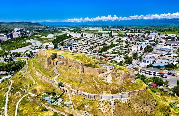 Vista aerea della fortezza di gori nella regione di shida kartli della georgia