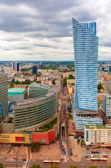 Vista aerea della città moderna a varsavia, polonia
