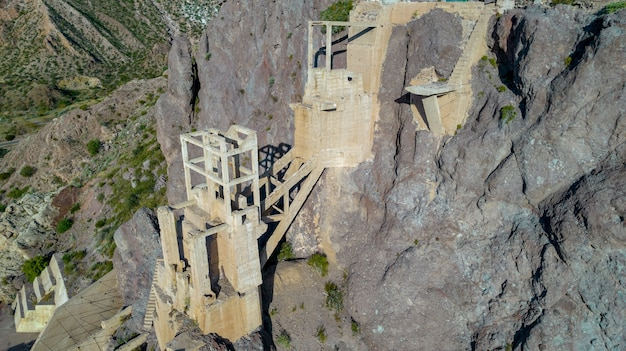 Vista aerea della vecchia miniera abbandonata.