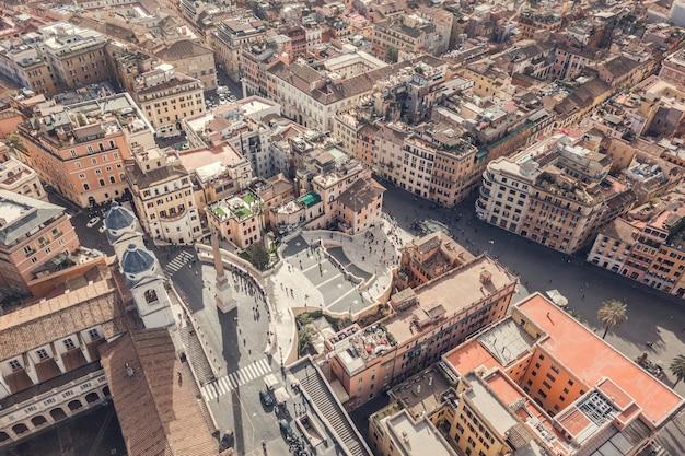 Veduta aerea di piazza di spagna e piazza di spagna a roma
