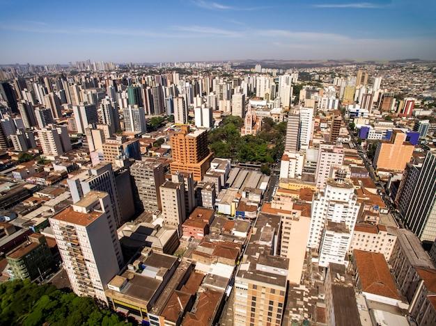 Vista aerea della città di ribeirao preto a san paolo, brasile