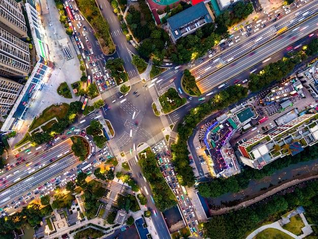 Vista aerea delle strade nel centro della città di guangzhou