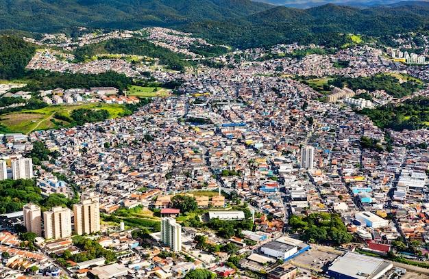 Vista aerea della periferia di san paolo in brasile