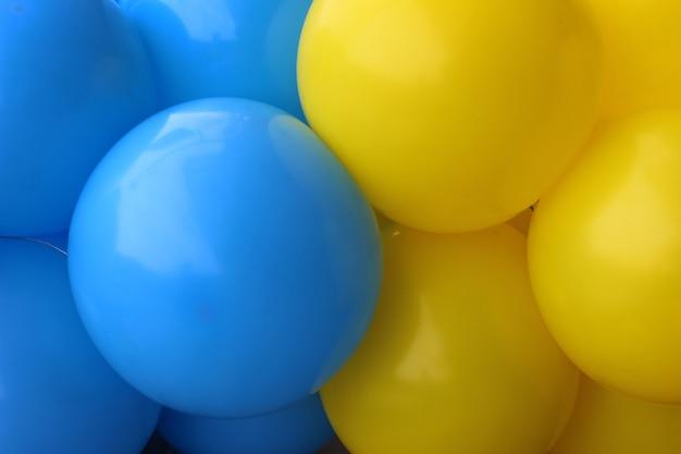 Le sfere d'aria sono di colore giallo e blu