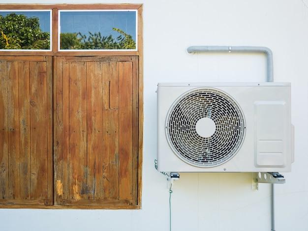 Unità esterna compressore aria condizionata