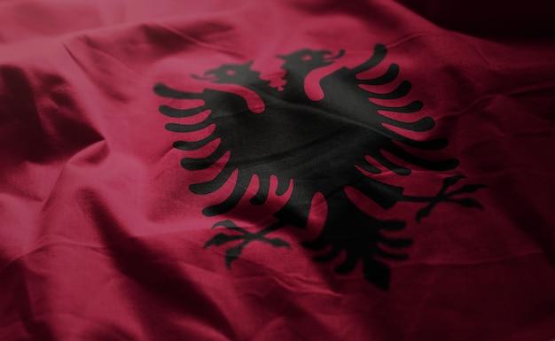 Bandiera albania rumpled close up