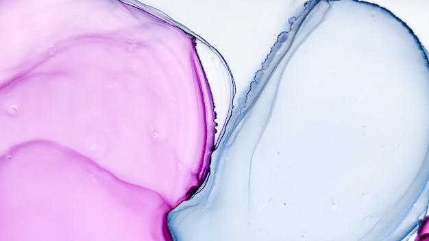 Inchiostro alcolico. spruzzata floreale creativa. sfondo sofisticato. trama di marmo grigio. fluido acquerellabile bianco. modello blu. texture liquida viola. ricciolo etereo astratto. inchiostro ad alcool rosa.