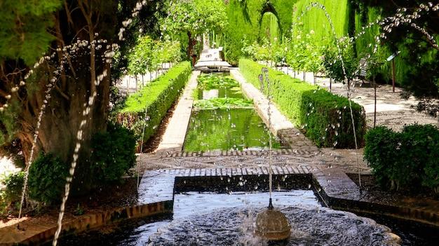 Giardini dell'alhambra a granada spagna