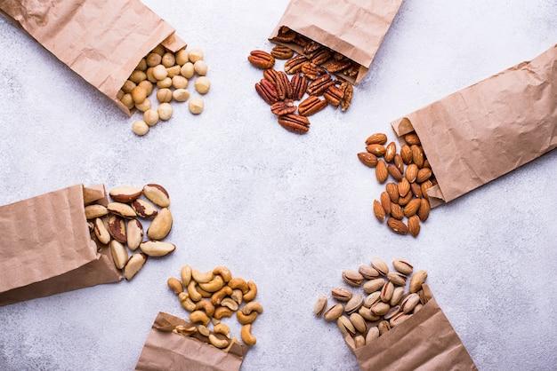 Mandorle, noci pecan, macadamia, pistacchio e anacardi