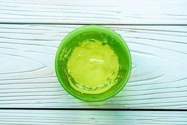 Gel di aloe vera con aloe a fette