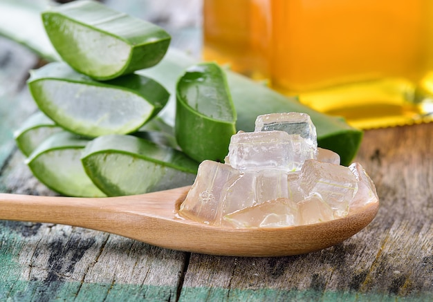 Uso di aloe vera nella spa per la cura della pelle