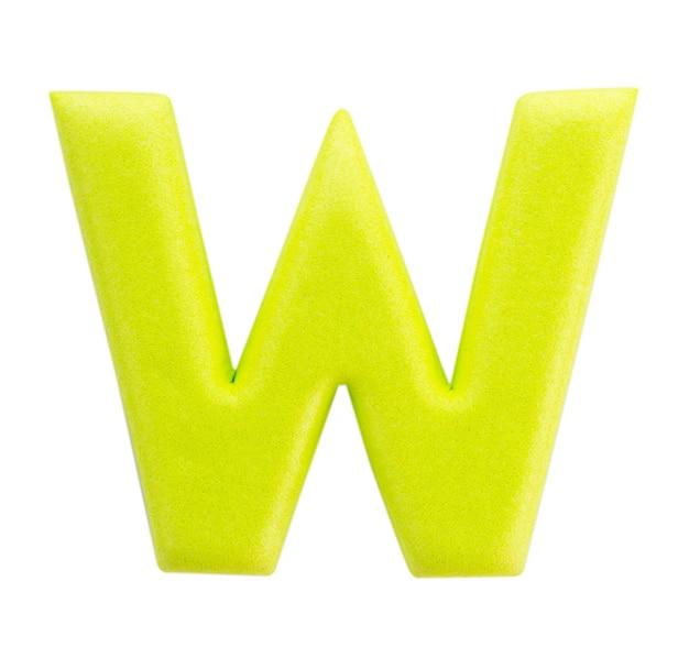 Alfabeto w realizzato da isolati su superficie bianca