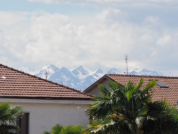 Le montagne delle alpi viste da torino