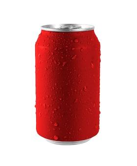 Lattina rossa in alluminio su sfondo bianco, goccia d'acqua sulla lattina. il file contiene un tracciato di ritaglio così facile da lavorare.