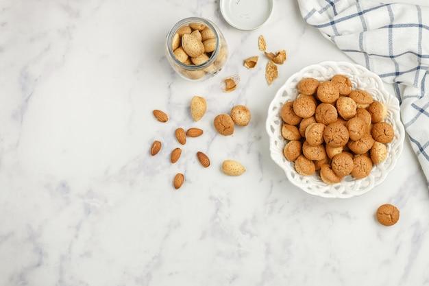 Biscotti amaretti alle mandorle