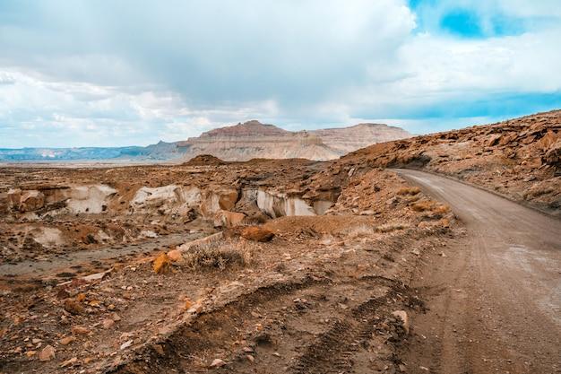 Incredibile paesaggio panoramico nello utah paesaggio roccioso in alstrom point usa