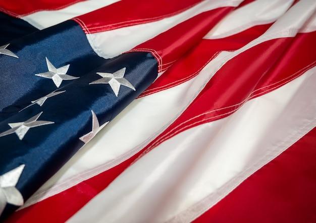 Bandiera americana del giorno dell'indipendenza degli stati uniti il 4 luglio memorial day veterans day labor day sfocatura