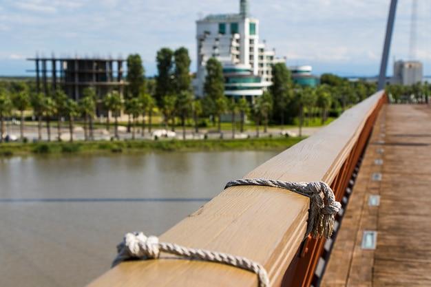 Anaklia, georgia - 28 settembre 2021: resort, hotel ed edifici di anaklia, acqua e sole