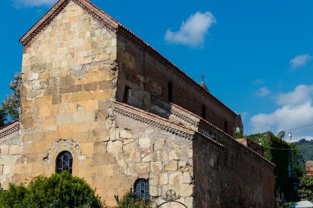 La basilica di santa maria di anchiskhati è la più antica chiesa sopravvissuta a tbilisi, in georgia