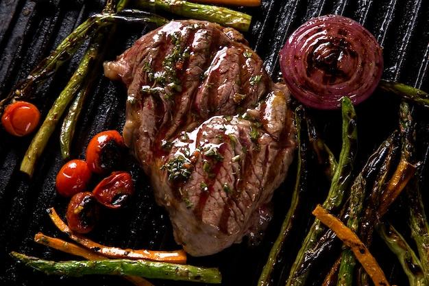 Bistecca di ancho con verdure grigliate alla griglia