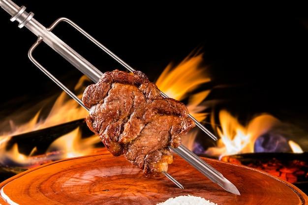 Ancho, tradizionale barbecue brasiliano.