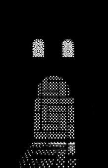 Antica porta araba in silhouette. immagine creata per i concetti.