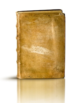 Libro antico sulla superficie bianca