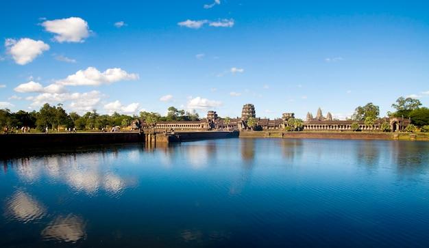 Rovina del tempio cambogiano antico.