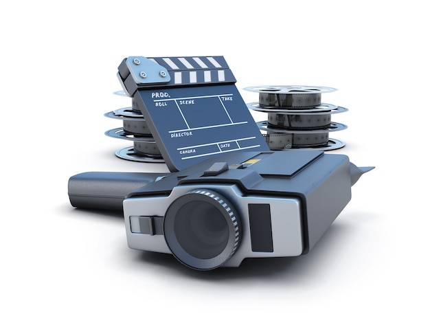 Antica macchina fotografica con una bobina di pellicola e un ciak su bianco
