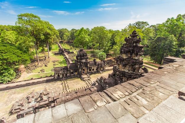 Il castello antico in cambogia ha chiamato angkor wat, angkor thom