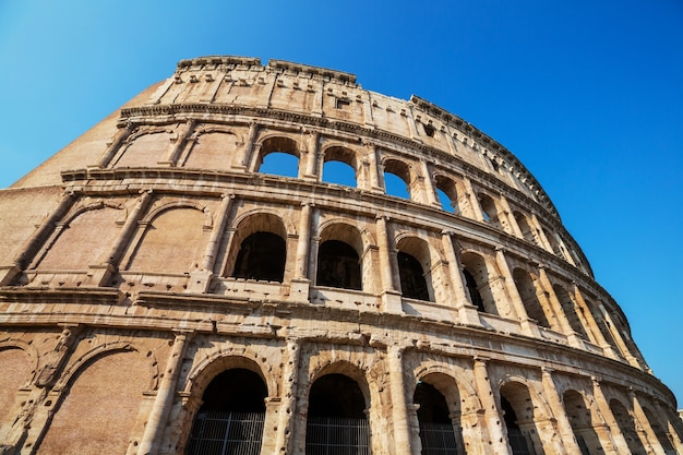 L'antico colosseo a roma