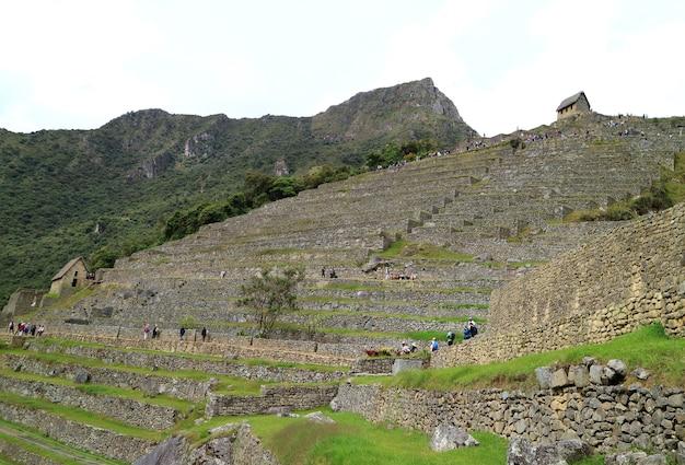 Antiche rovine inca di machu picchu sito patrimonio mondiale dell'unesco nella regione di cusco del perù