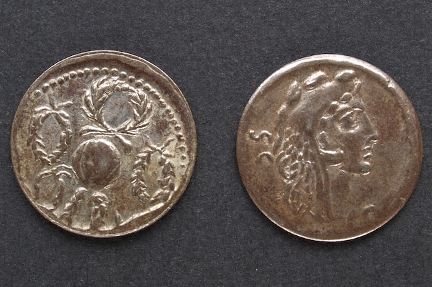 Antica moneta romana