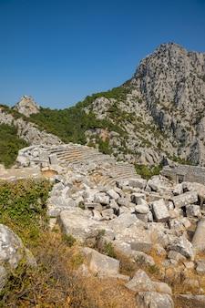 Un antico teatro a termessos senza turisti, cittadina vicino ad antalya in turchia