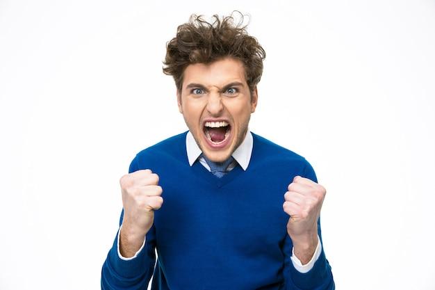 Uomo d'affari arrabbiato che grida su sfondo bianco