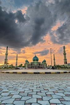 Annur grande moschea pekanbaru, masjid agung pekanbaru, riau, indonesia