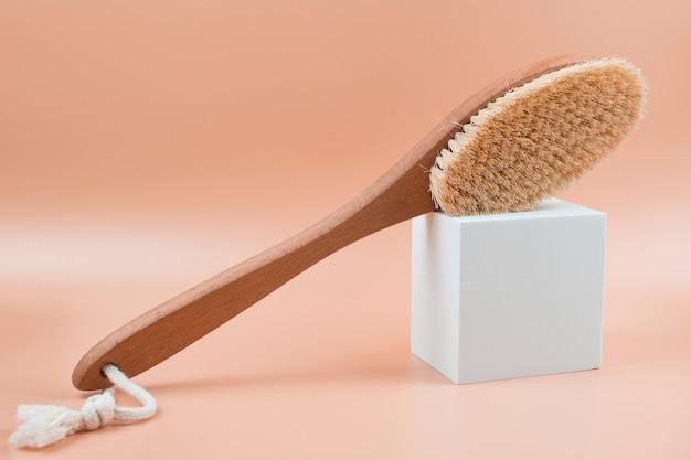 Spazzola corpo in legno anticellulite per massaggio a secco